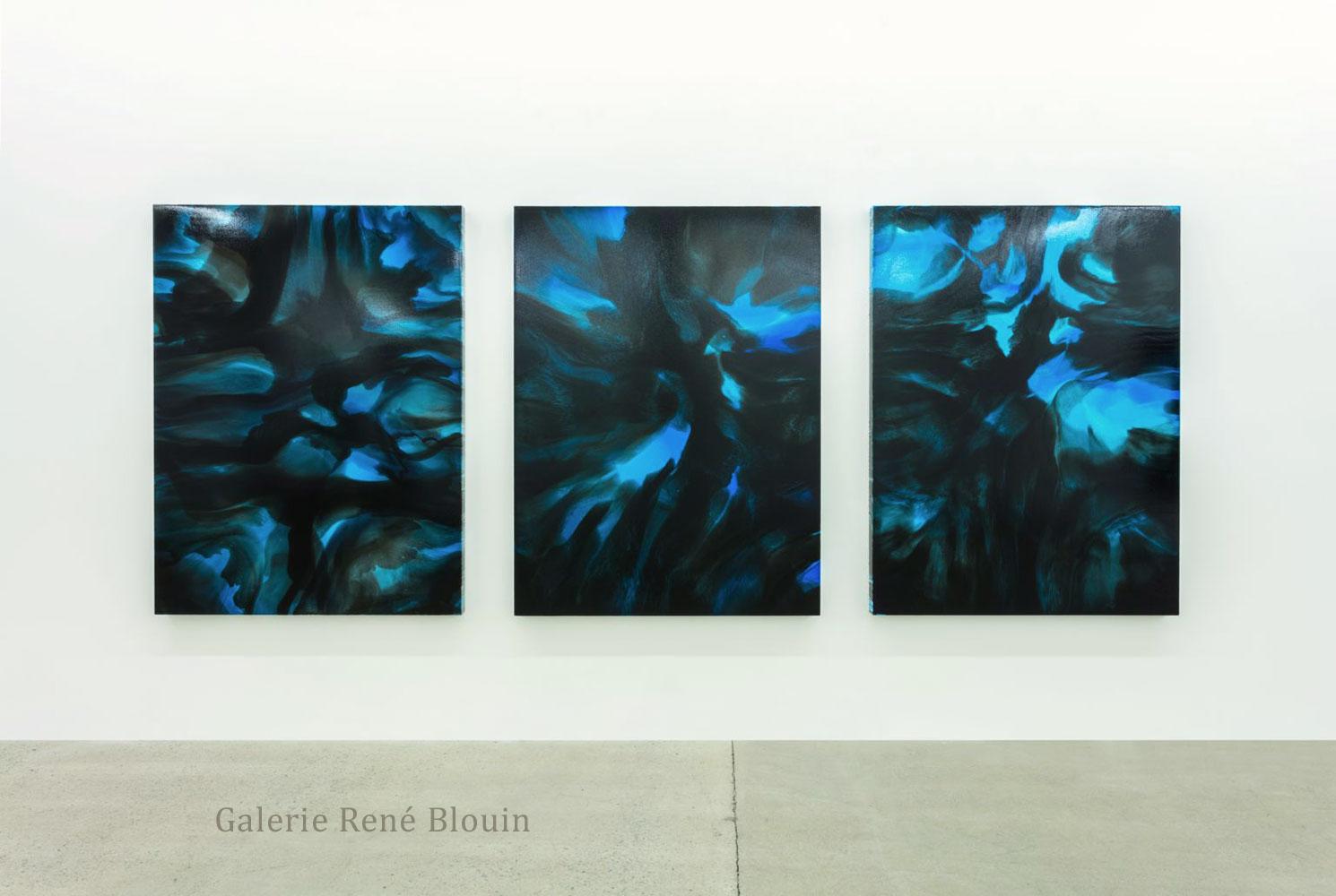 François Lacasse | Lueur bleue I, Lueur bleue II, 2015 et Lueur bleue III, 2016 encre et acrylique sur toile, François Lacasse : Vue d'exposition 2016, Crédit photo : Richard-Max Tremblay