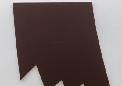 Un champ rouge, 2002, Acrylique sur toile montée sur contreplaqué laminé 44.5 x 45 pouces  Crédit Photo : Guy L'Heureux