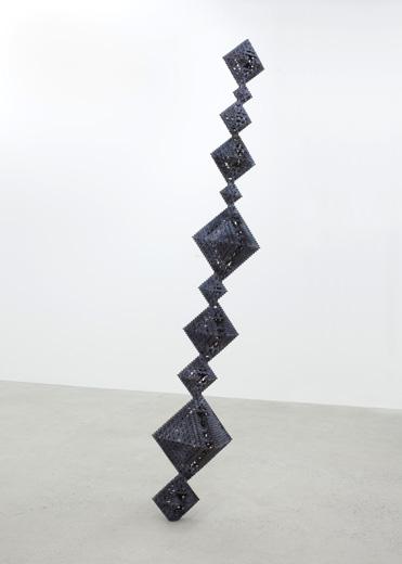 Patrick Coutu, Cristalmath 2 (2, 4, 6), 2013 bronze 243,8 x 45,7 x 38 cm / 96 x 18 x 15 pouces, Vue de l'exposition: Exposition de groupe, 31 août au 5 octobre 2013, Photo: Richard-Max Tremblay