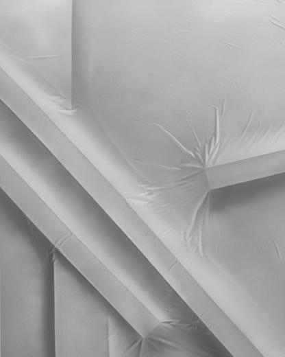 Close up center left 010, 2014 acrylique sur toile de coton, 210 x 166 cm / 82.6 x 65.3 pouces, Vue de l'exposition : Anthony Burnham15 novembre au 20 décembre 2014,Photo: Guy L'Heureux