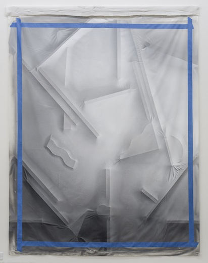 Hanging full repeatable view 014, 2014 acrylique sur toile de coton, 252,7 x 187,9 cm / 99.5 x 74 pouces, Vue de l'exposition : Anthony Burnham15 novembre au 20 décembre 2014,Photo: Guy L'Heureux
