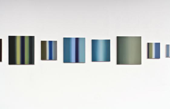 Abstractions (Série A), 2005-2007 détail huile sur toile 19 éléments de dimensions diverses l'ensemble : 46 x 728 cm, Pierre Dorion: Abstractions, Vue de l'exposition (2010) Photo: Richard-Max Tremblay