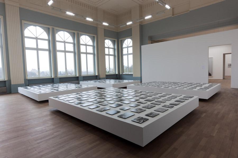 Pascal Grandmaison, Half of darkness, 2010. Vue d'installation au Casino Luxembourg : Forum d'art contemporain.