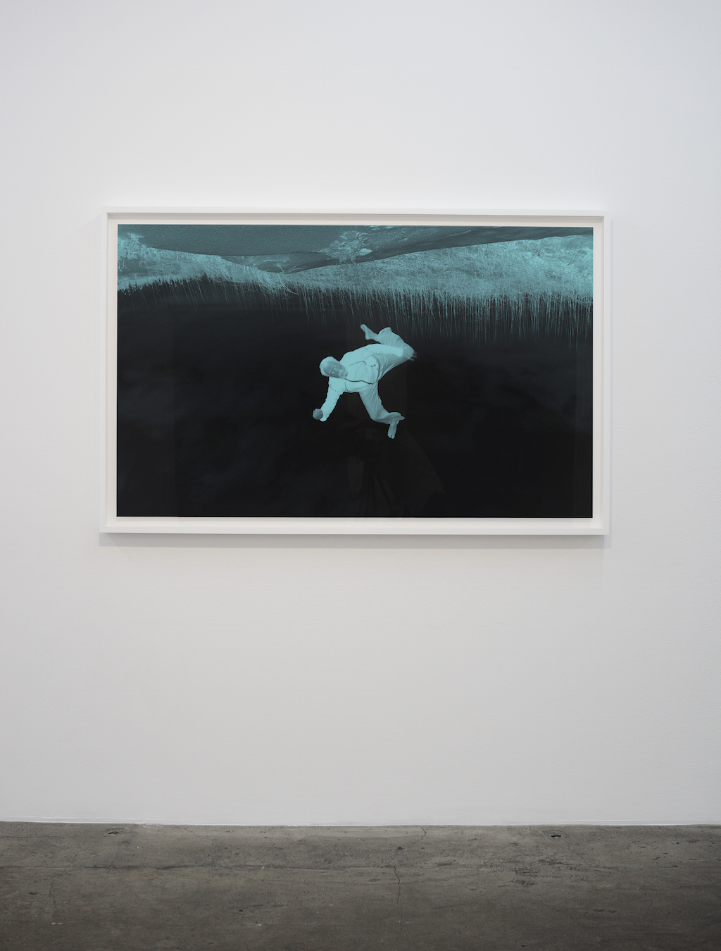 Pascal Grandmaison, Fake imagery of a world upside down, 2009, impression au jet d'encre ultrachrome, 37 x 60 pouces