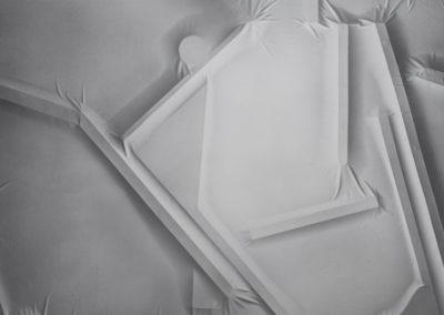 Anthony Burnham, Full repeatable view 022, 2014, acrylique sur toile de coton, 210 x 166 cm / 82.6 x 65.3 pouces
