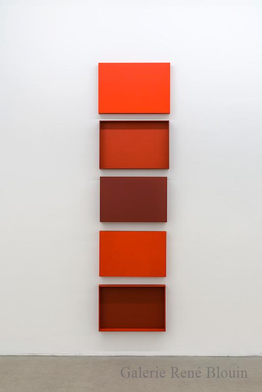 Francine Savard, Truismes 4, 2017, 5 éléments, acrylique sur MDF, 94 x 24,5 x 5 pouces - Galerie René Blouin exposition : 25 mars au 6 mai 2017
