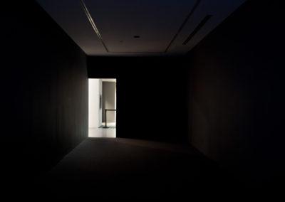 Mathieu Grenier, Boîte Noire (Power Plant Contemporary Art Gallery) 1/3), 2012, Impression au jet d'encre sur papier Epson enhanced mat, 56 x 84 cm. Photo : Mathieu Grenier