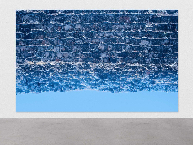 Pascal Grandmaison, FIXE LE JOUR, 2017, Édition de 2, Impression au jet d'encre sur toile, 216 x 340 cm / 85 x 134 pouces