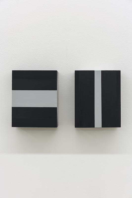 Serena Beaulieu, Deux plans qui se coupent, 2017, Acrylique sur bois, 12,5 x 10 cm / 5 x 4 pouces (chacune)