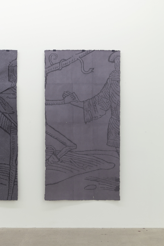 Nicolas Lachance, Le bourgeois, 2018, pulpe de papier, pigment, support en bois et pince de métal, 183 x 91 cm / 72 x 35,8 pouces.